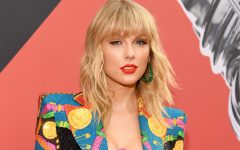 NEWARK, NEW JERSEY - AUGUST 26: Taylor Swift attends the 2019 MTV Video Music Awards at Prudential Center on August 26, 2019 in Newark, New Jersey. (Photo by Kevin Mazur/WireImage)
